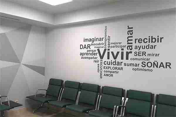 Decoración interior con vinilo en pared